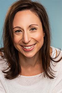 Evelyne St-Pierre, actrice québécoise, École Supérieure de théâtre UQAM, Les mots s'Animent' Omnibus, Voix hors champs L'Oréal